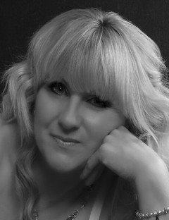 Karen Ager | Family & Funeral Celebrant