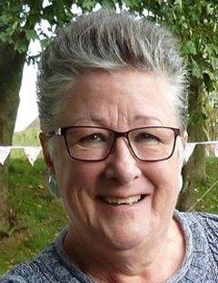 Sandra Perkins | Family & Funeral Celebrant