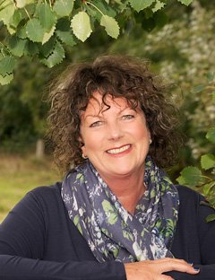 Alison Neate | Family & Funeral Celebrant