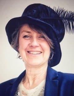 Sue McFadden | Family & Funeral Celebrant
