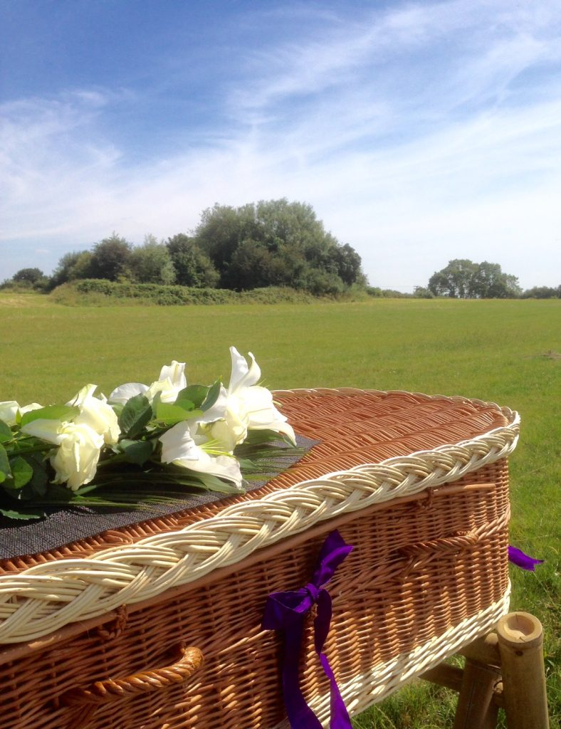 Funeral Celebrant | Graveside Ceremony Etiquette