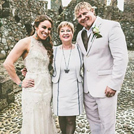 Julie Antonette | Family  & Funeral  Celebrant