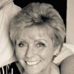 Brenda Robinson | Family & Funeral Celebrant