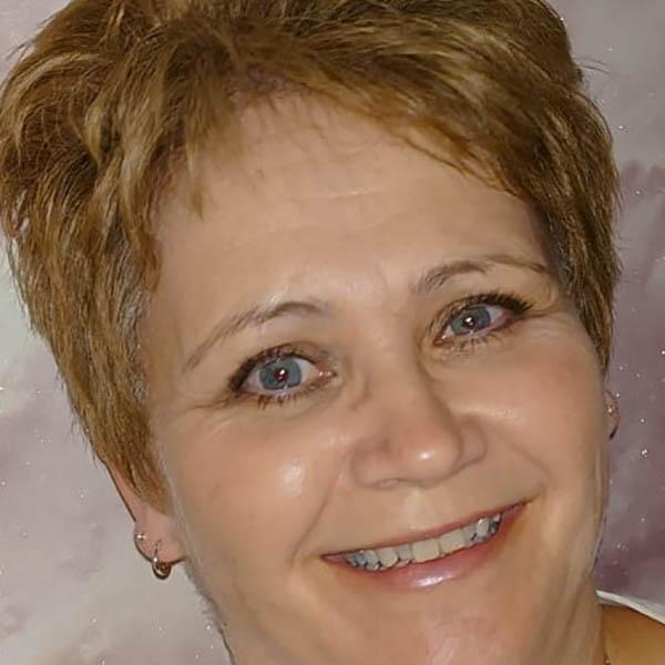 Nicola Main | Family & Funeral Celebrant